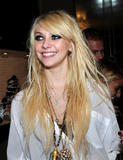 http://img180.imagevenue.com/loc1015/th_68147_Taylor_Momsen_perfoms_during_the_Teen_Vogue_Fashion0s_Night_Out_Fashion_Show_2090910_13_123_1015lo.jpg