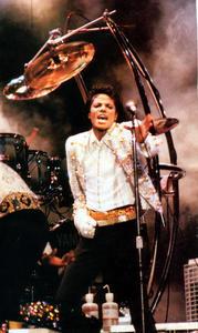 1984 VICTORY TOUR  Th_753993756_6884029076_282a6e2221_b_122_1021lo