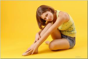 http://img180.imagevenue.com/loc1092/th_279052448_tduid300163_sandrinya_model_denimmini_teenmodeling_tv_075_122_1092lo.jpg