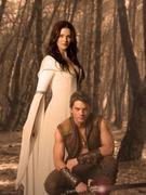 http://img180.imagevenue.com/loc1096/th_32156_Legend_of_the_Seeker_S1_Promo14_122_1096lo.jpg