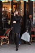 http://img180.imagevenue.com/loc1113/th_26063_Jessica_Alba_Sighting_in_Paris6_122_1113lo.jpg