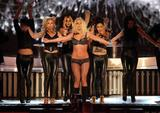 http://img180.imagevenue.com/loc215/th_91207_celeb-city.eu_Britney_Spears_2007_MTV_Video_Music_Awards_Show_21_122_215lo.jpg