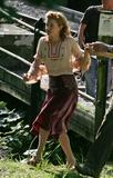 Sienna Miller See Through Candids on the set of ?The Best Time Of Our Lives? Foto 337 (Сиенна Миллер See Through Candids на множестве? Best Time Of Our Lives? Фото 337)