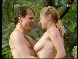 Arianne Borbach  nackt