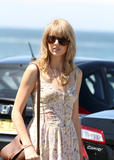 Тайлор Свифт, фото 12234. Taylor Swift Bondi Beach after breakfast at Bill Darlinghurst in Sydney - 08.03.2012, foto 12234