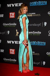 http://img180.imagevenue.com/loc736/th_486376799_Hottest_Miss_Universe_Ever_Logie_03_122_736lo.jpg