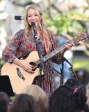 Джуэл Килчер, фото 797. Jewel Kilcher Performance at Extra at The Grove in LA - 17.11.2011, foto 797