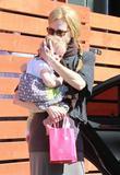 Николь Кидман, фото 2021. Nicole Kidman and her daughters leaving a birthday party in Hollywood 2-5-12, foto 2021